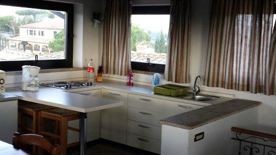 La Loggia - Villa Gloria: lato cucina