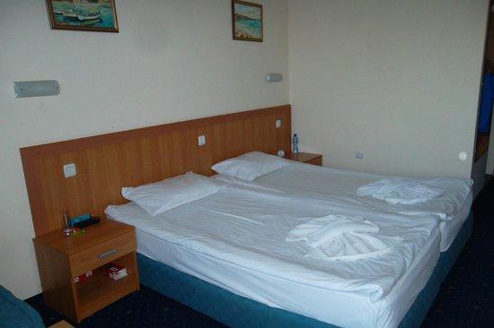 Hotel Aquamarine : belle chambre
