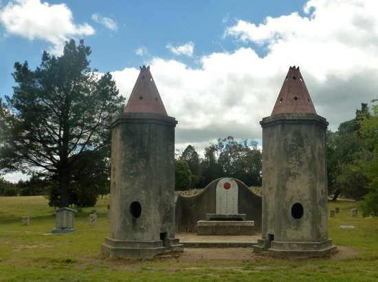 Beechworth Public Cemetery: Chinese Towers where money and messages for the dead were burnt