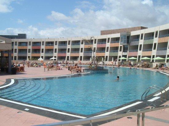 Geranios Suites & Spa Hotel : Piscina desde la Terraza