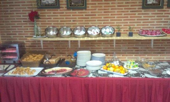 Hotel Corregidor: Buffet desayuno