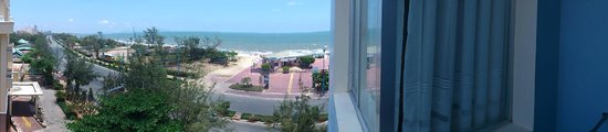 Green Hotel: Beach