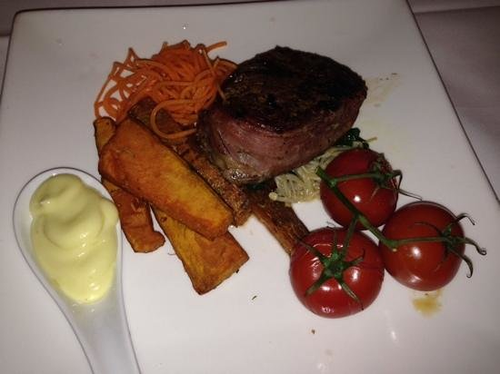 Wild Cattle Creek Estate: Eye Fillet with out of place vegetables :-/