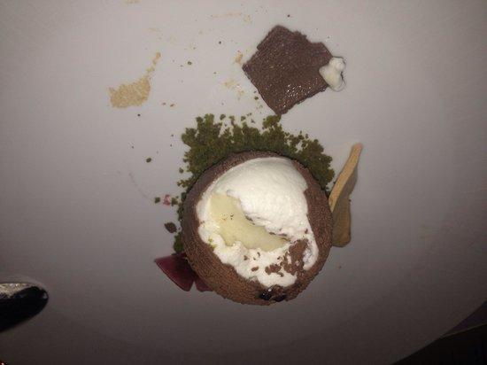 La Mer -  L'Aperitif: Coconut jelly/mousse. Yummy!