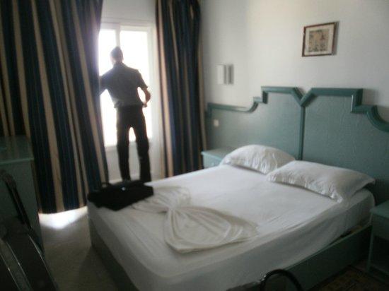 Hotel Club Les Colombes: à l'intérieur du chambre