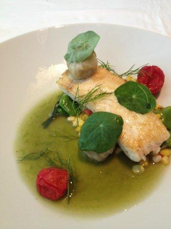 Shangri-La Hotel Toronto: Salmon @ BOSK