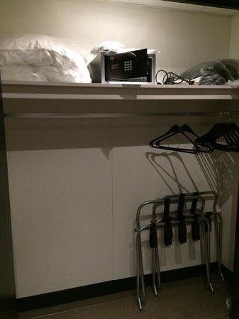 Hotel Sebastian's: 'Huge' wardrobe space