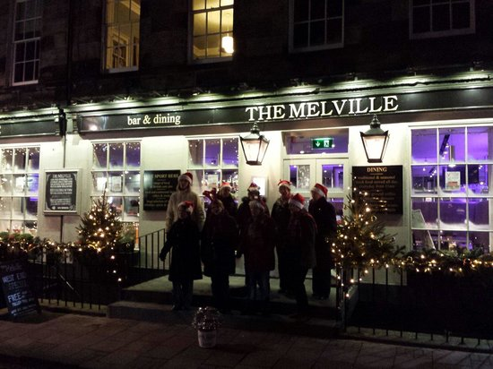 The Melville Bar: Carol singers with lots of Christmas cheer on Thursday 5 Dec.