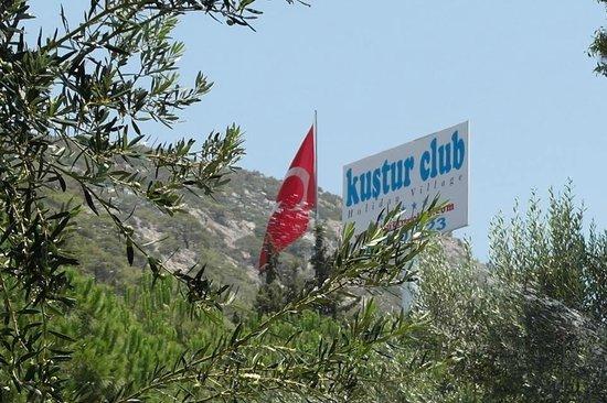 Kustur Club Holiday Village : Gartenanlage