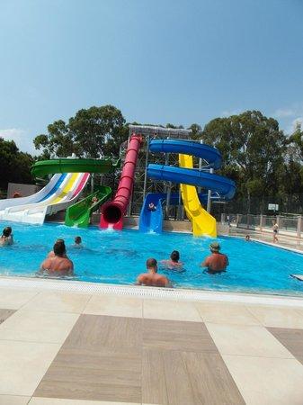 Kustur Club Holiday Village: Wasserrutsche