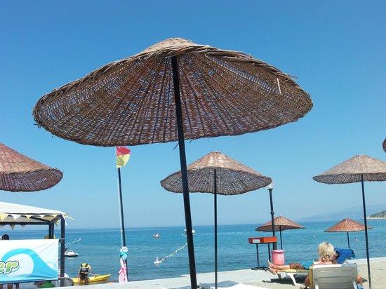 Kustur Club Holiday Village: Strandbereich