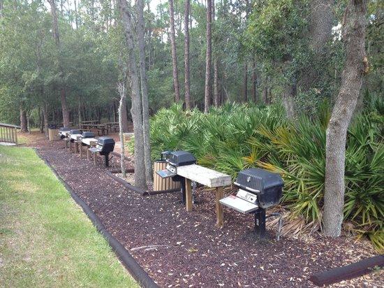 Vacation Village at Parkway: Zona para BBQ