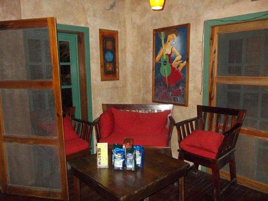 Vintage Pearl Restaurant and Wine Cellar: Klein und fein