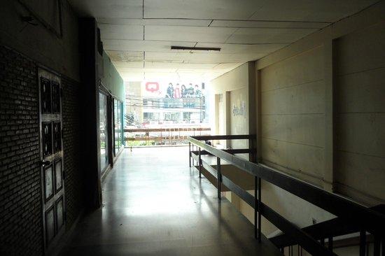 Scala Cinema: The corridor