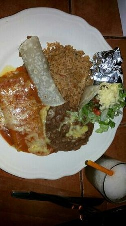 Miguel's Cafe: a combo meal