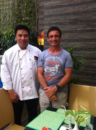Solaris Hotel Kuta: myself and staff member chef