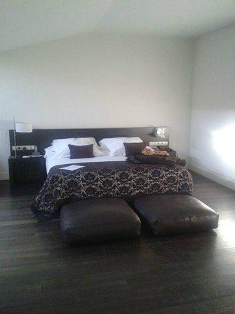 Hospes Palau de la Mar Hotel: Suit Junior-zona dormitorio