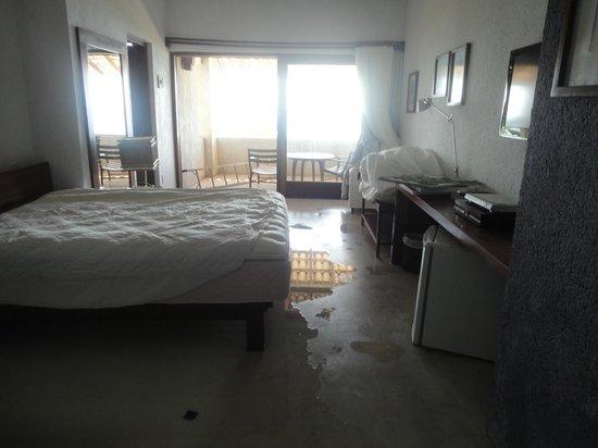 Maitei Hotel: Quarto Alagado