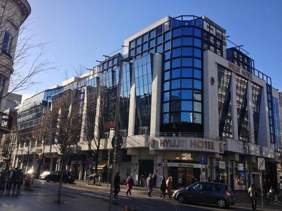 GERETTI Jewellery & Diamonds: Il negozio di Geretti sotto l' Hotel