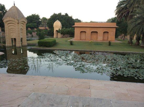 The Oberoi Rajvilas: mediation area