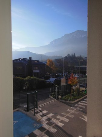 Ibis Budget Grenoble Sud Seyssins : View from my room window
