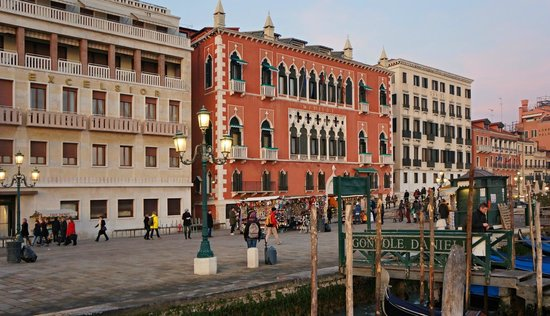 Hotel Danieli, A Luxury Collection Hotel : Hotel Danieli old Dandolo palace building