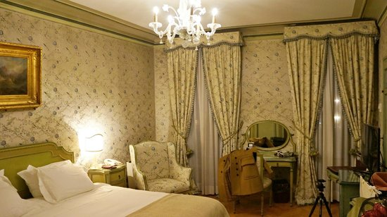 Hotel Danieli, A Luxury Collection Hotel : Hotel room DeLuxe with Laguna view