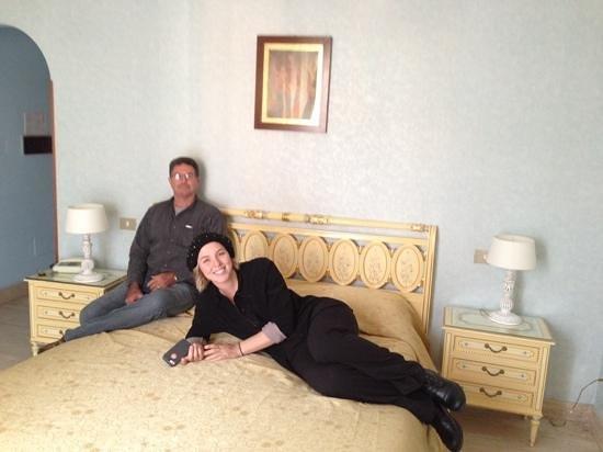 Villa San Lorenzo Maria Hotel: Enjoying our room at hotel villa san lorenzo maria