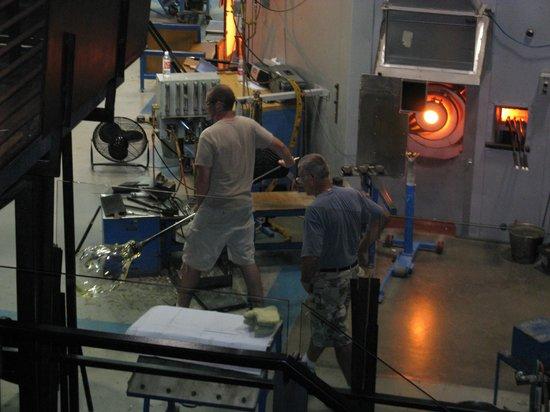 The Corning Museum of Glass: Изготовление изделия из стекла