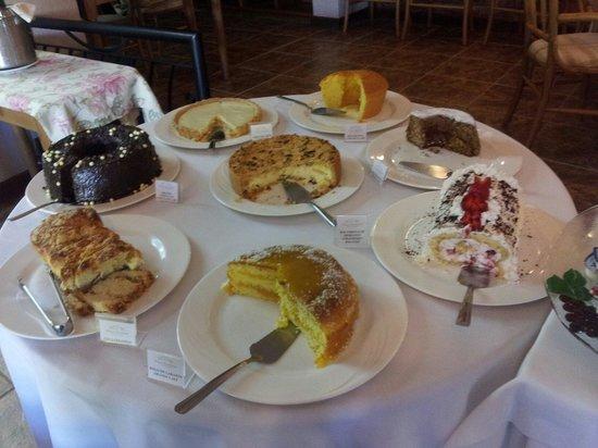 Casa Valduga Villas : Parte do farto café da manhã oferecido na Villa Valduga!