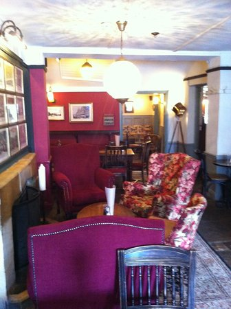 Rose and Crown : Pub