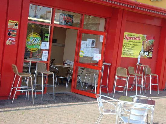 Golden Palm Resort: Mrs M's Cafe