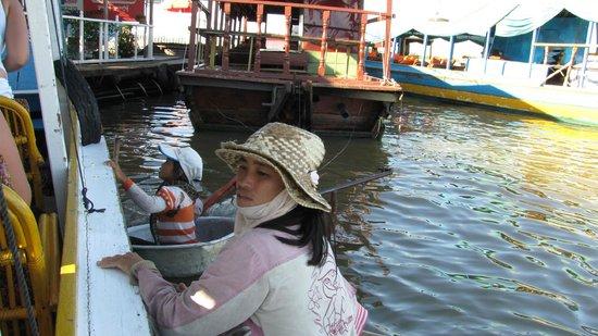 Lucky Angkor Hotel: работа