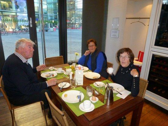 Lindner Hotel Am Ku'damm : Fra frokostsalongen