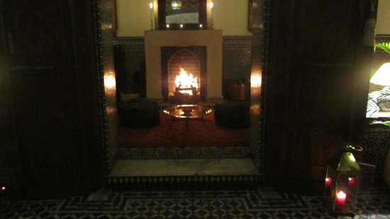 Dar Roumana: Fireplace