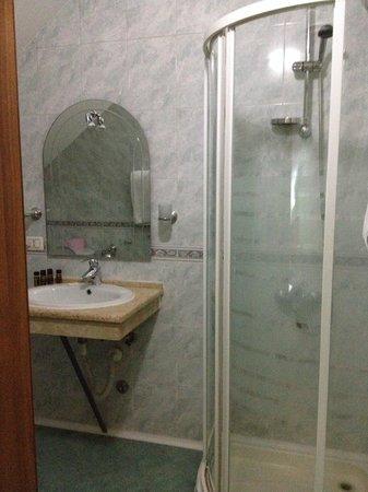 VIlla Tafaj: la douche