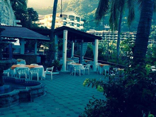 Mismaloya Grill: Beautiful seating area!