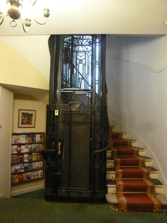 Hotel Royal Fromentin : elevator