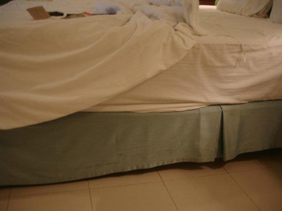 Andaman Seaview Hotel: грязные пятна
