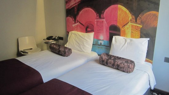 Tulip City Hotel: Room 1102