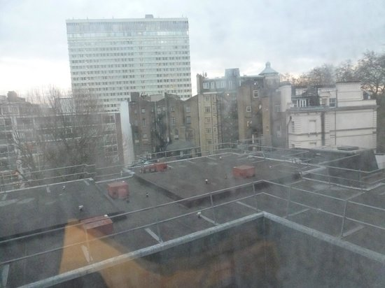 Corus Hotel Hyde Park London: view from the room