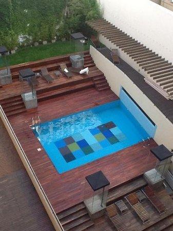 Be Trimos Hotel: pileta