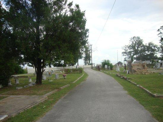 Old Biloxi Cemetery: По направлению к побережью Мексиканского залива