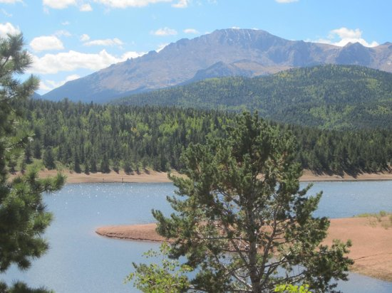 Pikes Peak - America's Mountain: Lake about halfway up the highway