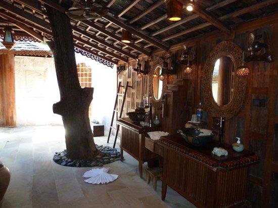 Santhiya Koh Phangan Resort & Spa: Bathroom