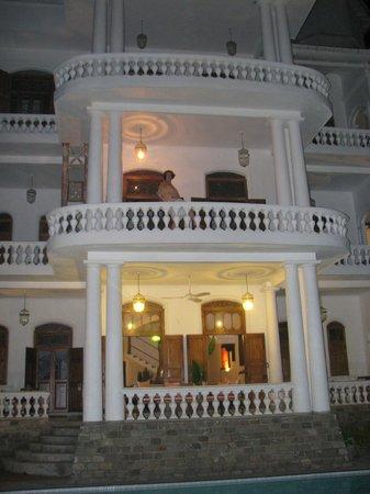 La Maison Nil Manel: notre chambre avec suberbe balcon