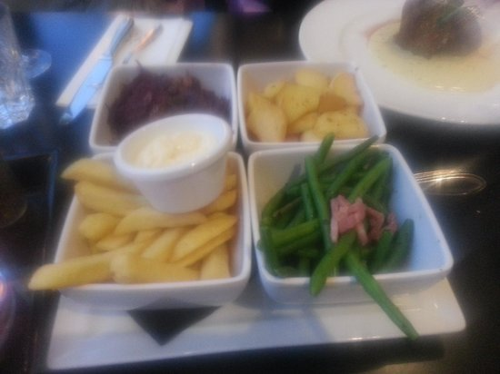 Van der Valk : yummie sides that come separatley with every main you order
