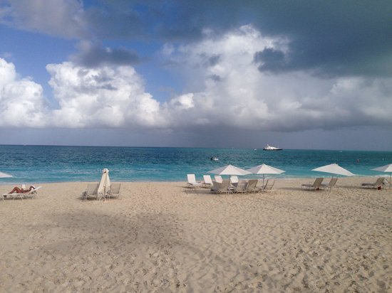 Villa del Mar: Beach Chairs at Grace Bay Breach.