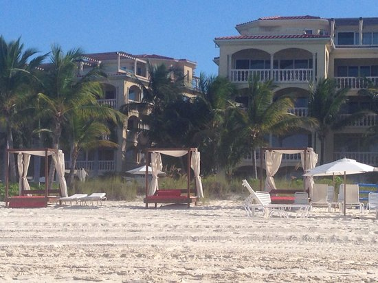 Villa del Mar: Looking back toward Grace Bay Resort from the beach.