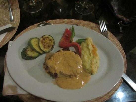La Fusion: Beef Medallions with Chipotle Sauce